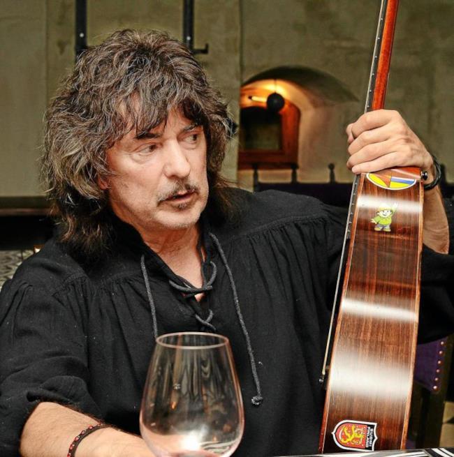 Ritchie Blackmore, ritorno al passato