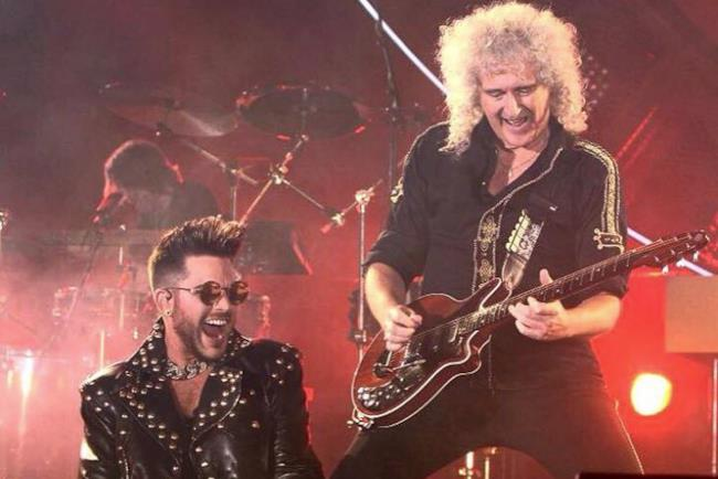 Adam Lambert con il leggendario Brian May