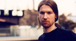 """Aphex Twin è pronto a tornare con un nuovo album dal titolo CCAI2, dopo soli sei mesi da """"Syro"""""""