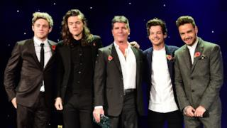 Gli One Direction con Simon Cowell ai MITS Awards 2015