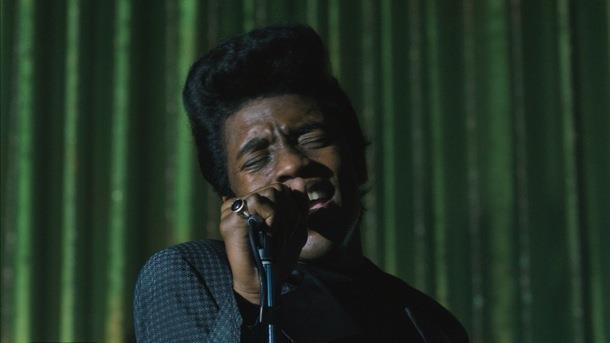 Chadwick Boseman nei panni di James Brown