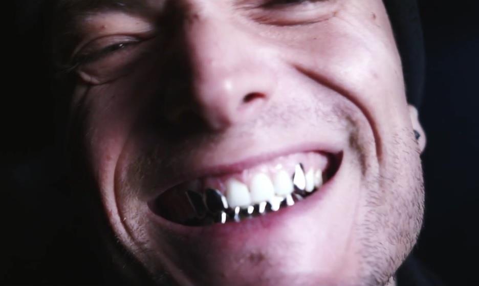 Conosciuto Guè Pequeno, il video di Squalo anticipa il nuovo progetto solista  HC76