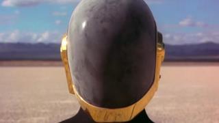 L'enigmatico casco dietro cui si nascondono i Daft Punk