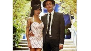 Amy Winehouse: rubato il vestito da sposa dalla sua casa di Londra