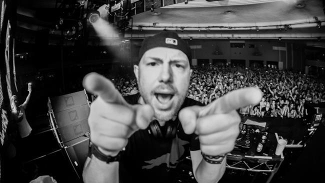 Il primo album di Eric Prydz sarà rilasciato ad ottobre e conterrà le migliori hit del DJ svedese