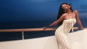 Rihanna in Italia: vacanze su uno yacht a Capri (agosto 2014)