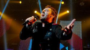 Cesare Cremonini canta live