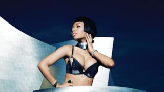 Nicki Minaj in reggiseno per la copertina di Complex dicembre 2014