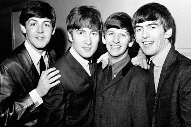I Beatles in una vecchia foto