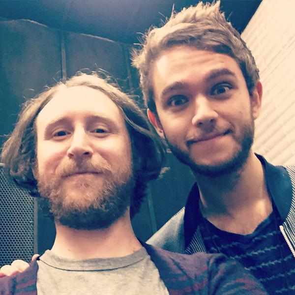 Zedd ha scattato un selfie in compagnia di Mike Einziger prima del live