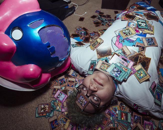 Slushii invaso da tante belle carte di Yu-Gi-Oh.