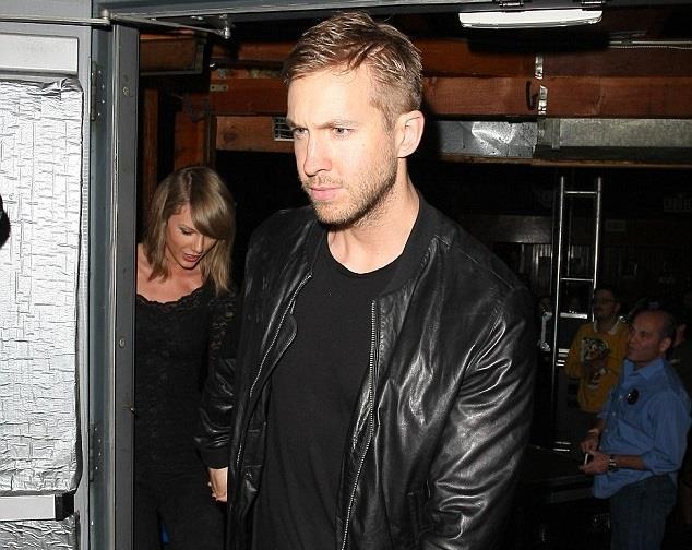 Hattis è al centro del gossip a causa della sua relazione con Taylor Swift