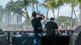 Merk & Kremont alla spinnin session Ultra Music Festival 2016