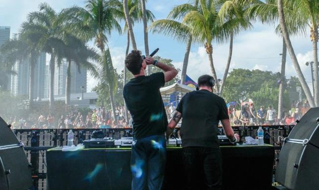 Merk & Kremont alla spinnin session Ultra Music Festival 2016