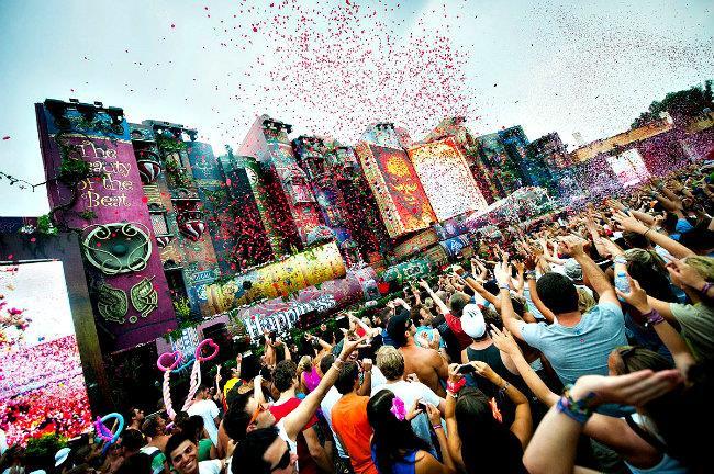 Sono pochi i biglietti rimasti disponibili per il fantastico Tomorrowland 2015 a Boom in Belgio