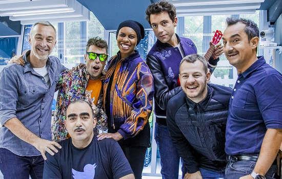 Linus e Nicola Savino con i giudici e il presentatore di X Factor Italia 2015