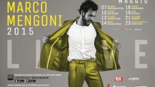 #MengoniLive2015 locandina concerto: Marco Mengoni con camicia bianca e vestito giallo