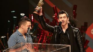Arctic Monkeys agli NME Awards 2014