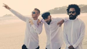 Major Lazer & Showtek - videoclip Believer
