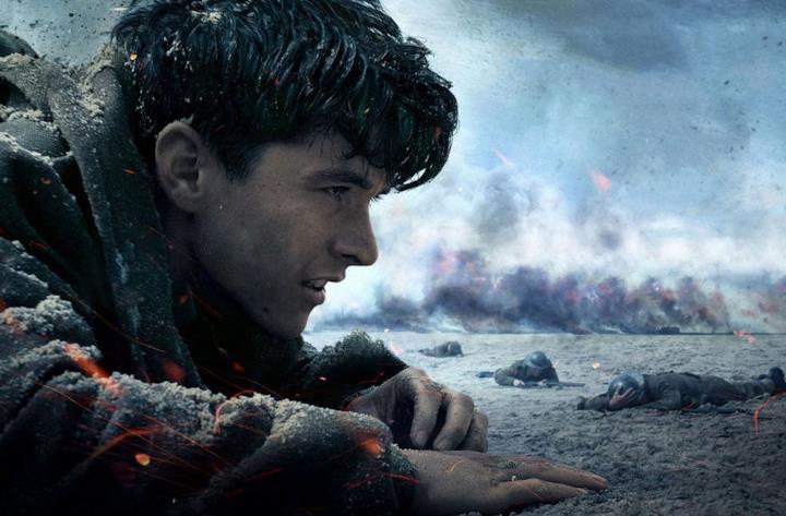 Il protagonista in una scena del film Dunkirk