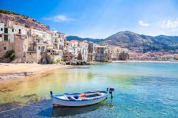 Barca in un porticciolo siciliano