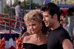 La scena finale del film Grease con Denny e Sandy