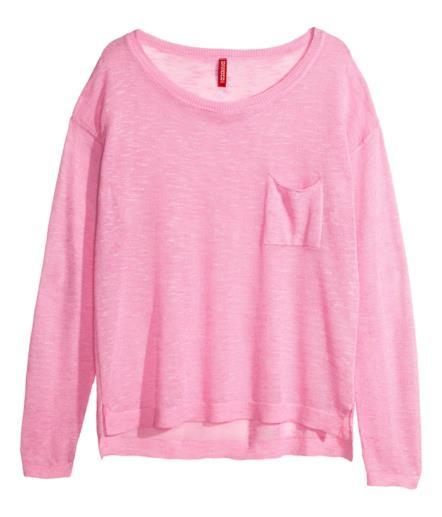 Pullover di H&M per il look low cost di Emma Stone in rosa
