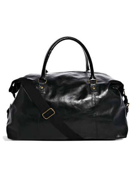 Per completare il tuo look alla Zac Efron il borsone New Look è perfetto