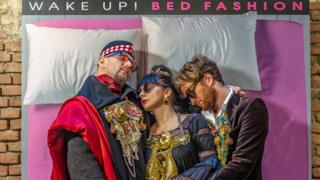 "La performance che farà rincontrare moda e arte in un unico ""Bed"""