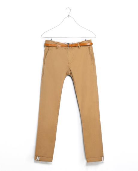 Per la tua estate 2014 il chino di Zara è ideale per l'outfit alla Zac Efron