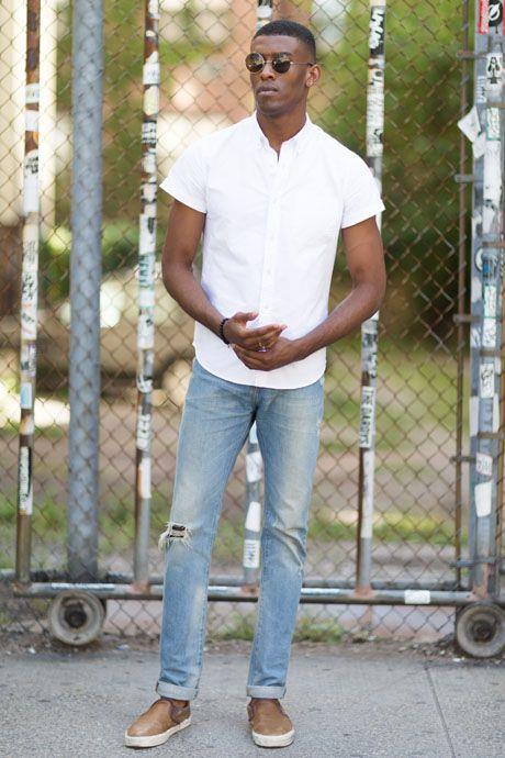 La tendenza del momento è il jeans effetto used