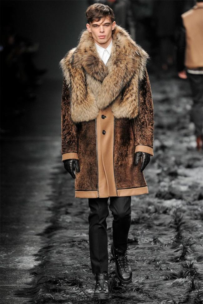 Milano Fashion Week 2014 sfila fendi in fur coat mood