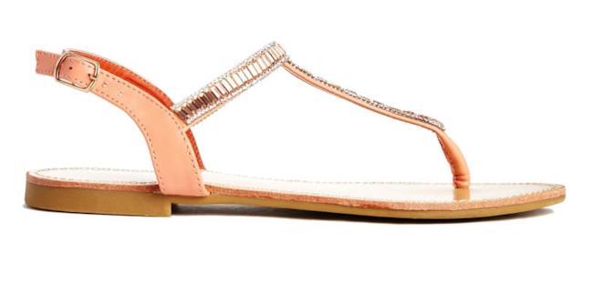 Il sandalo perfetto per assomigliare a Selena Gomez
