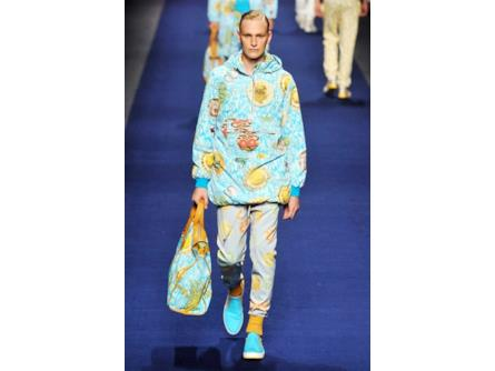 uk availability 6ea28 416ef Etro spring summer collection 2015 uomo, look sporty con ...