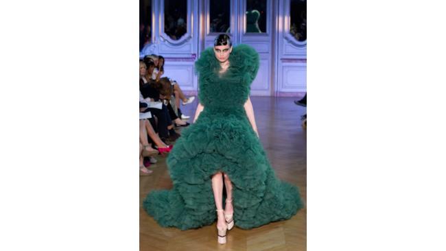 Alta moda o Haute Couture indicano abiti di alta sartoria