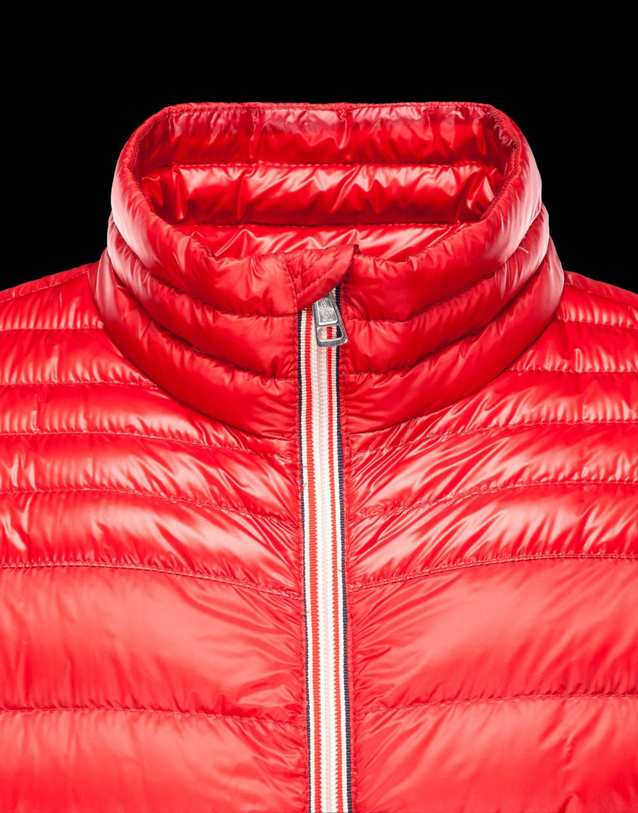 Il modello dettaglio del modello Daniel di Moncler per San Valentino 2014