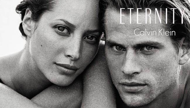 Compie 25 anni il profumo di Calvin Klein