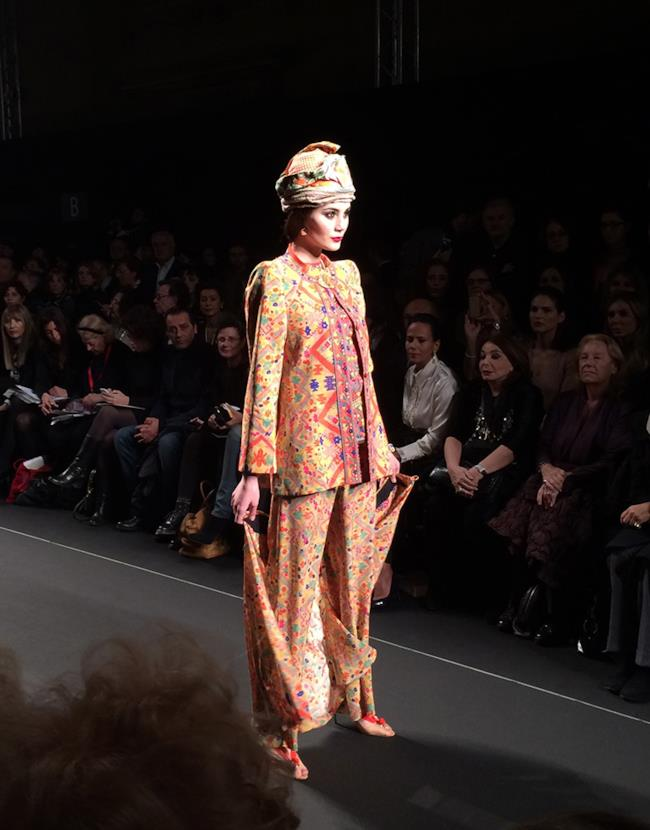 Curlie Couture unione di più etnie