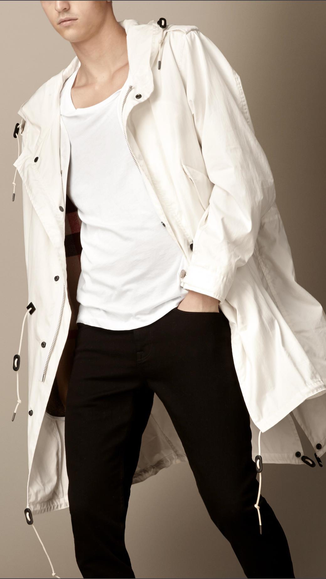 Car coat in cotone bianco con dettagli in cuoio di Burberry
