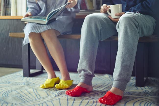 le nuove scarpe FONDUE SLIPPERS ideate da Satsuki Ohata