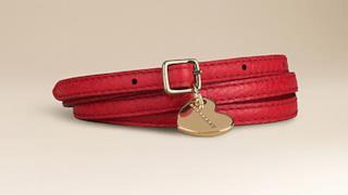 Cintura con fibia dorata e ciondolo a cuore by Burberry
