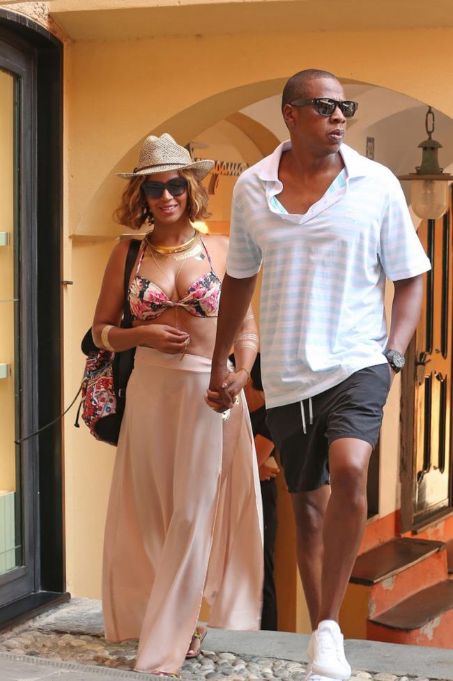 Beyoncé a Portofino in bikini