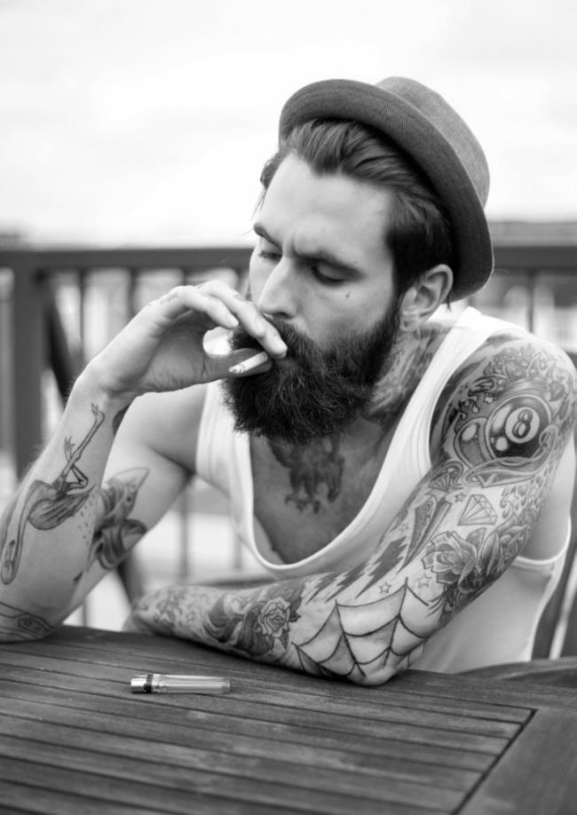 La barba per conquistare il vostro uomo gay