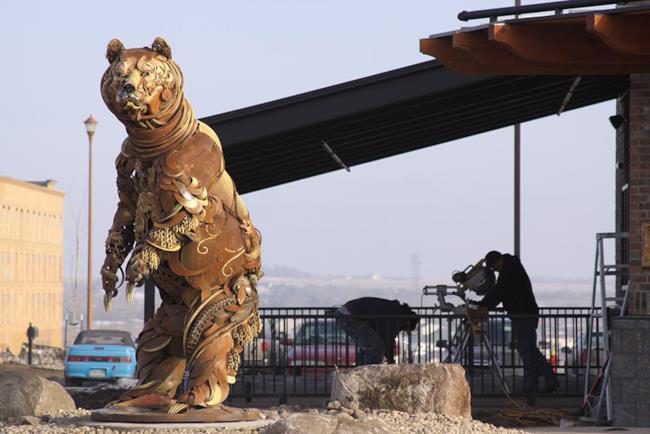 John Legend ha usato pezzi metallici della sua fattoria per creare delle vere e proprie opere d'arte