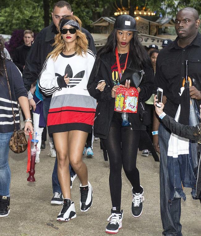 5 modi di mettere la bandana come Rihanna