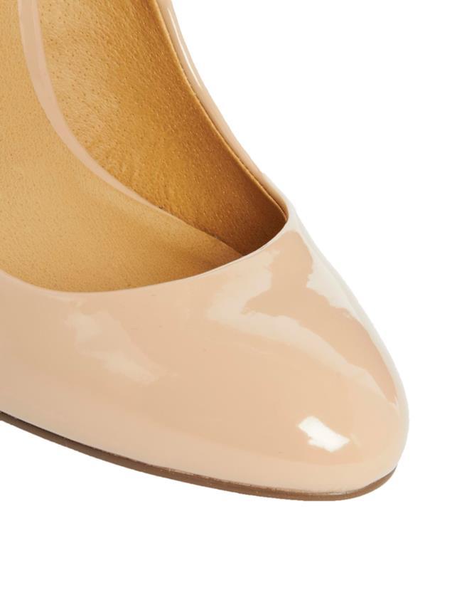 Scarpe con tacco in vernice per un look alla Iggy Azalea