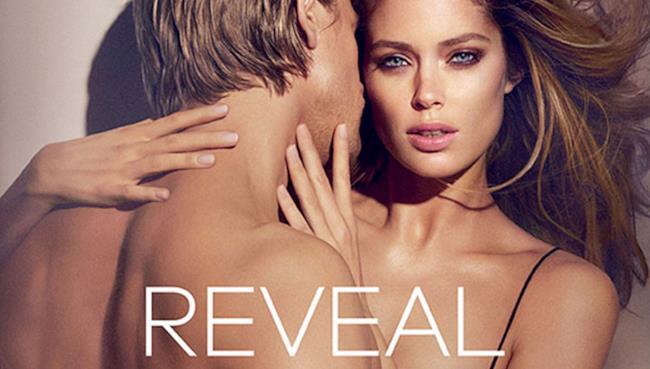 Charlie Hunnam e Doutzen Kroes testimonial per il nuovo profumo di Calvin Klein: Reveal