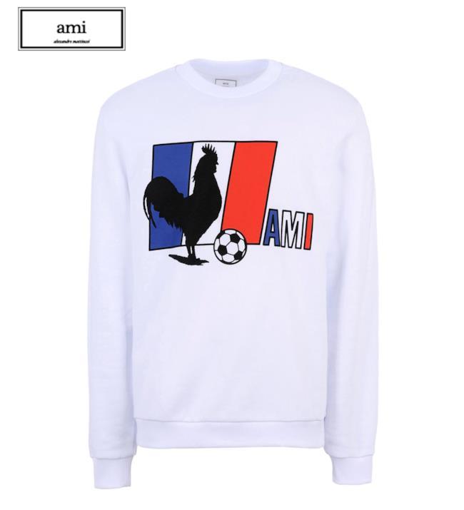 Yoox e SEPP commisionano a AMI la felpa per la nazionale francese ai mondiali di calcio