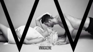 La cantante americana Christina Aguilera appare nuda e incinta su V magazine