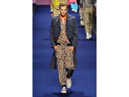 the best attitude 4e0d4 bbb03 Etro spring summer collection 2015 uomo, trench con tuta ...